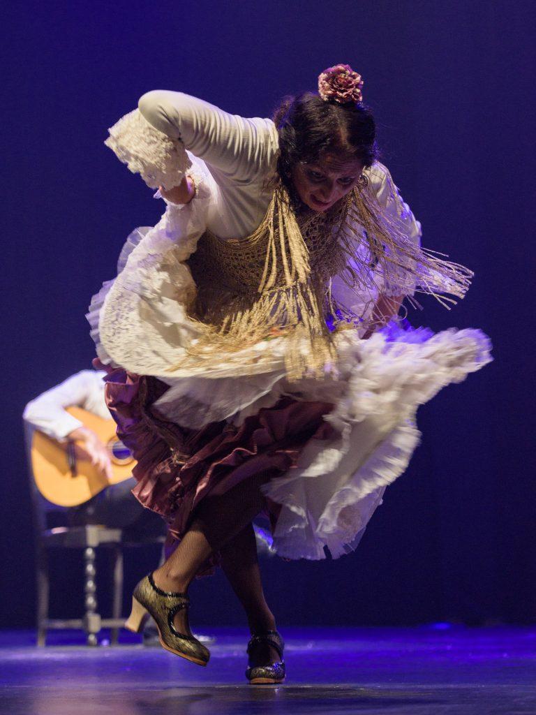 La Lupi (baile) - Curro de Maria (guitarra) - Alfredo Tejada y David El Galli (cante)