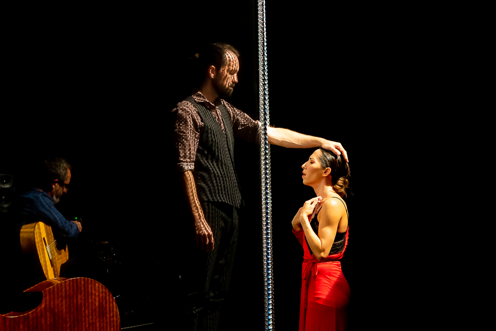 TanzTage Nachlese: Ana Morales (ESP) - En La Cuerda Floja; Posthof Linz, 30.09.2021; Foto: Guenther Groeger ©grox, Kultur- & Pressefotograf; www.groxpressimages.at